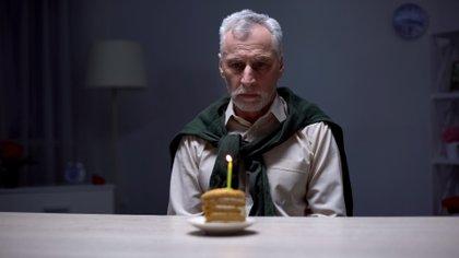 A medida que pasan los años, envejecer trae aparejado un abanico de emociones negativas (Shutterstock.com)