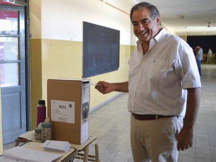 El senador de Cambiemos Julio Martínez se opone a la re-reelección de Sergio Casas