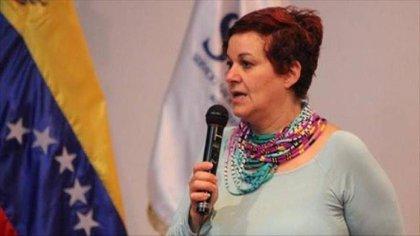 """María Alejandra Díaz Marín, quien pertenece a la ilegítima Asamblea Constituyente de Venezuela, se abstuvo de votar a favor de la aprobación de la """"Ley Antibloqueo de Maduro"""""""