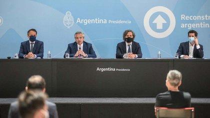 El Presidente mudará parte de su gabinete a Río Grande para el debut de las capitales alternas