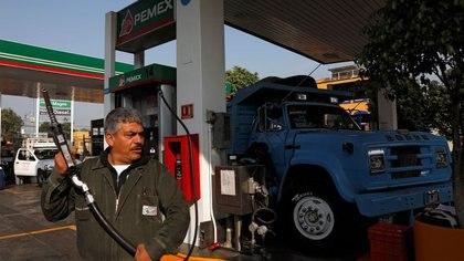 Hacienda volvió a retirar el estímulo fiscal a la gasolina Premium: cuánto costará el litro ahora
