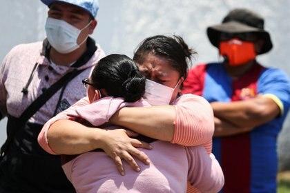 Algunas personas siguen sin saber el paradero de sus familiares (Foto: REUTERS/Edgard Garrido)