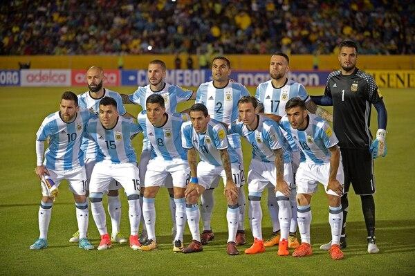 El equipo titular con el que Argentina venció a Ecuador (AFP)
