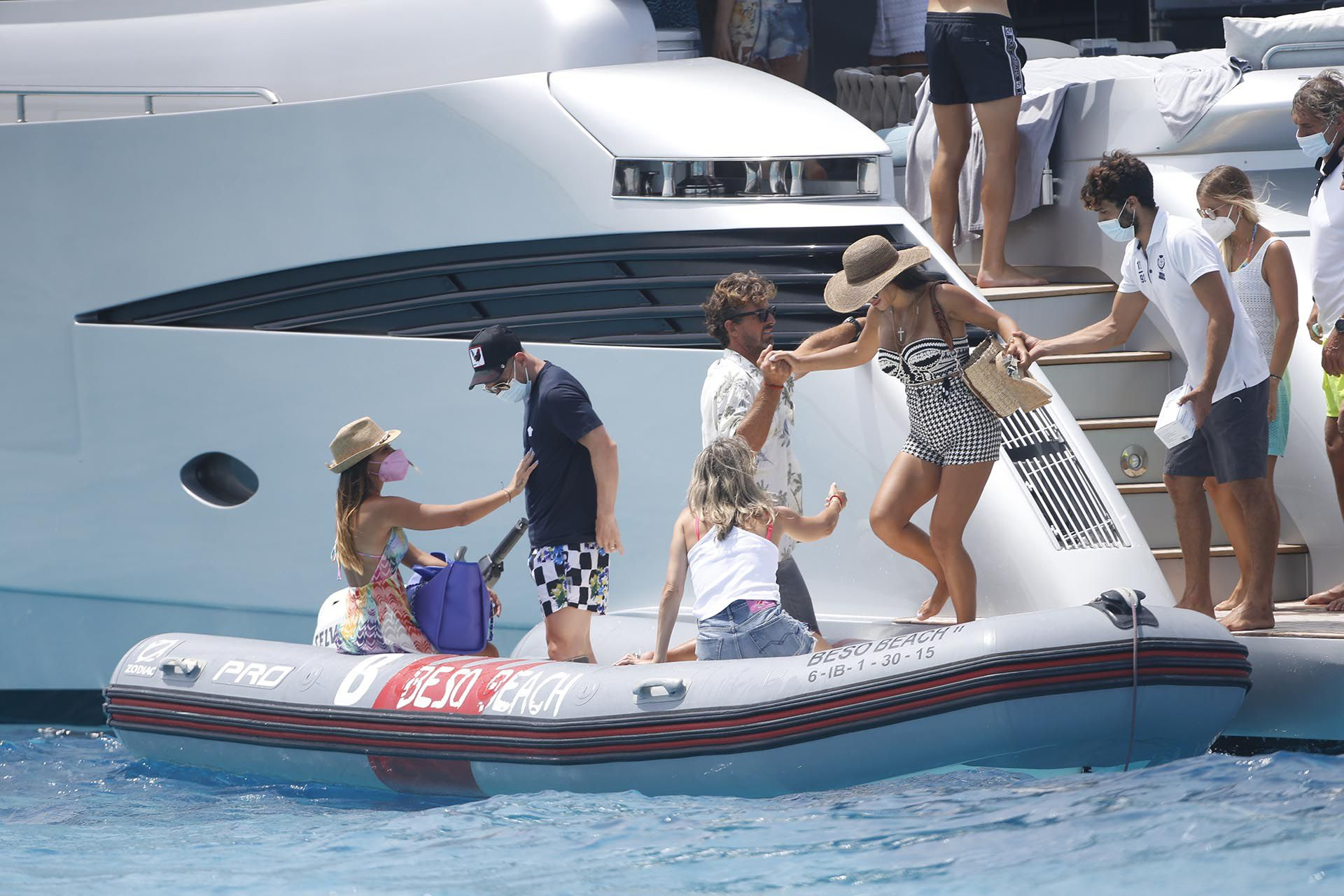 Messi, Fábregas y Luis Suárez disfrutan de sus vacaciones juntos en Ibiza