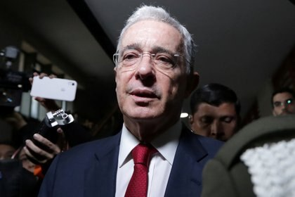 FILE PHOTO: Colombia's former president and lawmaker Alvaro Uribe, arrives to a private hearing at Supreme Court of Justice in Bogota, Colombia October 8, 2019. REUTERS/Luisa Gonzalez/File Photo