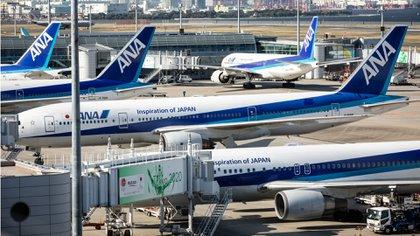 Aviones de All Nippon Airways en el aeropuerto de Haneda en Tokyo, Japón (Getty Images)
