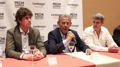 En el centro, Horacio Pechi Quiroga junto a Martín Lousteau y Alfonso Prat-Gay (Télam)