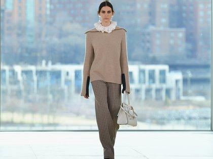 Tejidos y pantalones, las grandes estrellas de la colección de Tory Burch en NY