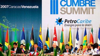 Petrocaribe es una alianza en materia petrolera entre algunos países del Caribe con Venezuela lanzada en junio de 2005 por Hugo Chávez para expandir su influencia en América Latina.