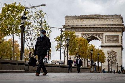 Nuevo confinamiento nacional en Francia. EFE/EPA/IAN LANGSDON