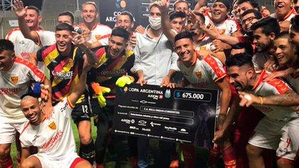 Festejo de los jugadores de Boca Unidos (Twitter: @CopaArgentina).