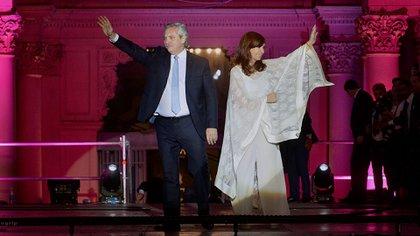 Alberto Fernández y Cristina Fernández de Kirchner durante la asunción presidencial. (Gustavo Gavotti)