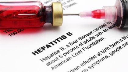 La hepatitis tiene una vacuna en el Calendario Nacional de Vacunación