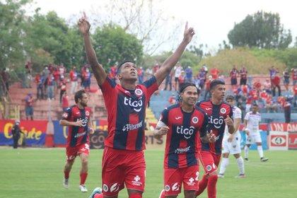 Con gol de Peña, el Club Deportivo FAS venció 3-1 al L. A. Firpo (Foto: Twitter/CDeportivoFAS)