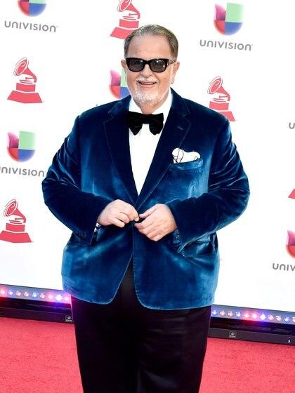 Raúl De Molina es uno de los presentadores más importantes de Univision y la televisora podría buscar limpiar su imagen (Foto: Univision)