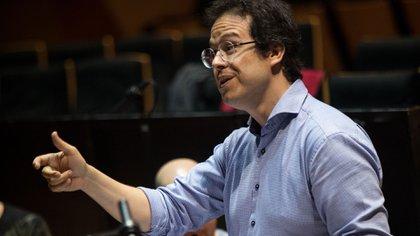 Leonardo García Alarcón nació en La Plata, Argentina, en 1976