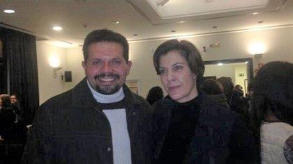 Coronel Vásquez Mora junto a la hermana de Leopoldo López