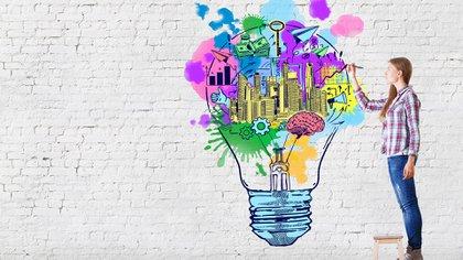 Sólo porque uno no esté concentrado en algo (o pensando que está desconectado) no quiere decir que el cerebro no está trabajando con la información adquirida previamente. Podemos decir que justamente éstos serían los mejores momentos para crear. (Shutterstock)