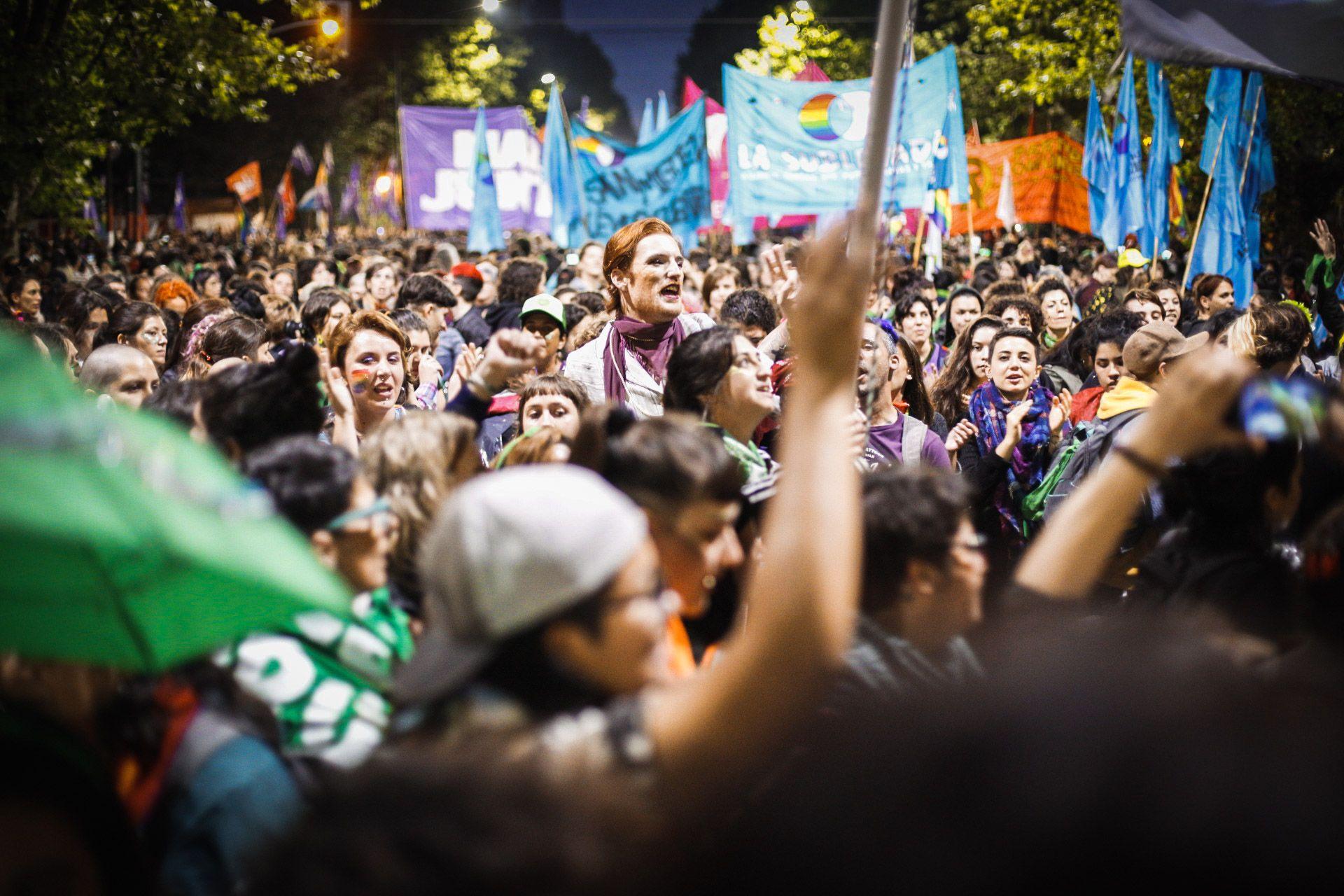 Varias columnas de militantes llenaron las calles de La Plata en estos dos días del ENM