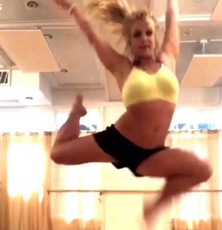 Britney mostró su habilidad para el baile