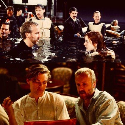 James Cameron con Kate y Di Caprio. El agua helada y la inmersión prolongada produjeron varias enfermedades. Desde una neumonía de Kate Winslet hasta problemas renales varios