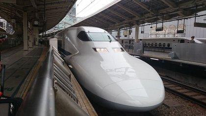 El tren bala alcanza velocidadesdemás de 200 km/h