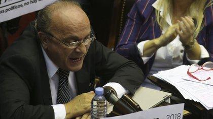 Duros cruces en el debate en comisión por la nueva fórmula de ajuste de las jubilaciones