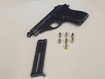 Una de las pistolas secuestradas