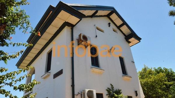 Algunos vecinos hablan de que Sounión posee siete habitaciones y cuatro baños (Marcelo Umpierrez)