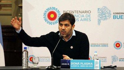 """""""Quedan en stand by"""", dijo el jefe de Gabinete Carlos Bianco sobre la habilitación de los eventos al aire libre hasta 200 personas. (Télam)"""