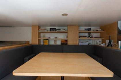 En esta casa todos los espacios son utilizados de manera óptima. Su área total es de 28 metros cuadrados, pero sólo son habitables 14 que se distribuyen para que aparenten los dos pisos de la casa que fueron estratégicamente acomodados. (Foto: UNAM)