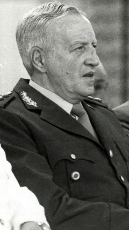 Leopoldo Galtieri, el dictador que decidió enfrentar la crisis socioeconómica con una guerra