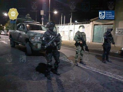 El Pimpón fue detenido con aproximadamente 150 envoltorios de cocaína en la colonia Algarín de la alcaldía Cuauhtémoc, declaró la SSC (Foto: Fiscalía General de Justicia de la Ciudad de México)