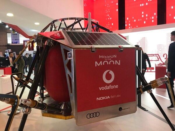 En el stand de Vodafone en el Congreso Mundial de Móviles, en Barcelona, se hizo el anuncio sobre la iniciativa de generar una red de conectividad 4G en la Luna