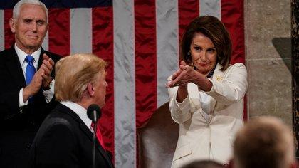 Nancy Pelosi, líder demócrata en el Senado, debe decidir si abre el proceso de juicio político contra Trump (Reuters/Archivo)