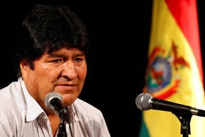 El ex presidente boliviano Evo Morales habla durante una conferencia de prensa en Buenos Aires, Argentina, el 19 de diciembre de 2019. REUTERS/Agustin Marcarian