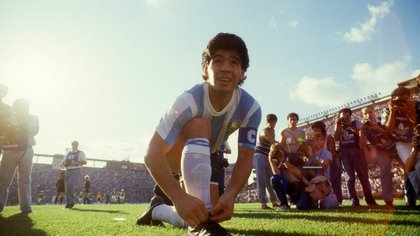 EDITORIAL USE ONLY Mandatory Credit: Photo by Imago/Shutterstock (8473654a) Argentina's Diego Maradona Ties His Shoelace Prior to A Friendly Game Against West Germany File Photo Dated 16/12/1987 File Photos of Diego Maradona - 15 Aug 2010