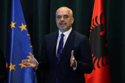 El primer ministro albanés Edi Rama durante una conferencia de prensa en Tirana (REUTERS/Florion Goga)