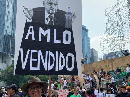 Los asistentes criticaron que López Obrador contemple varios megaproyectos sin pensar en las consecuencias ambientales (Foto: Twitter)