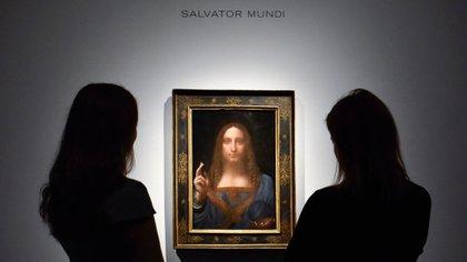 """""""Salvator Mundi"""" es la última pintura de Da Vinci en manos privadas y Christie's la ofreció a la venta en Nueva York el 15 de noviembre de 2017 con un estimado en la región de US $ 100 millones, pero finalmente se vendió por $ 450 millones (Stephen Chung / Alamy Live News)"""