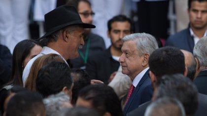 Mireles Valverde incursionó en la política y se adherió a la 4T, como funcionario del ISSSTE (Foto: Misael Valtierra/ Cuartoscuro)
