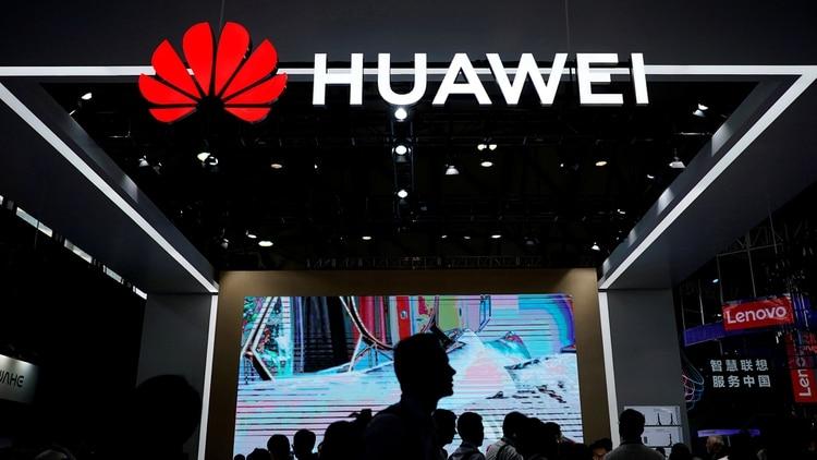 Huawei, que es el mayor proveedor mundial de equipos de red empleados por las empresas de telefonía e internet, ha estado en el centro de serias preocupaciones de seguridad estadounidenses. (REUTERS/Aly Song/archivo)