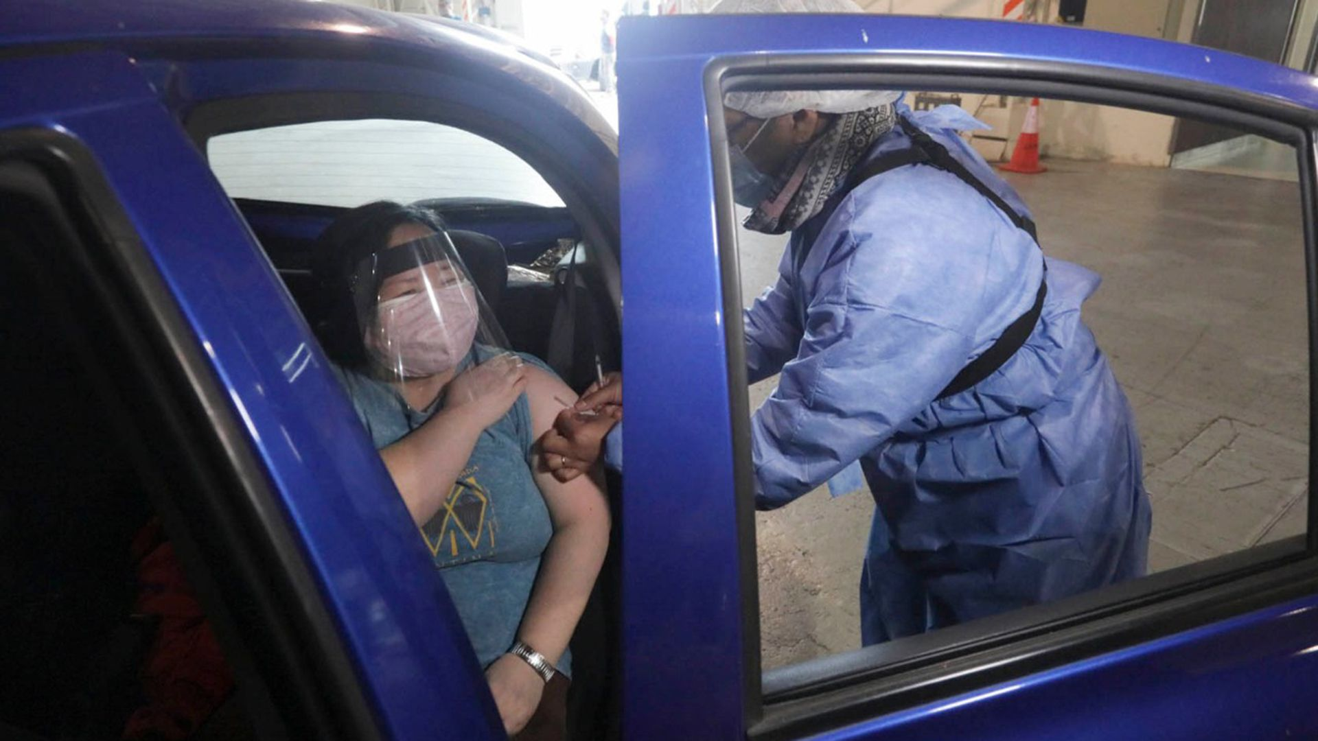 Costa Salguero vacunatorio vehicular contra el COVID-19