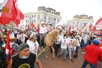 El candidato presidencial de Perú Libre, Pedro Castillo, en el cierre de campaña en Lima (Europa Press)