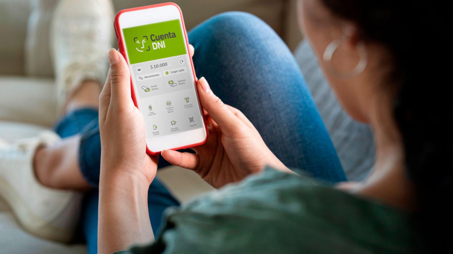 """Los beneficiarios que cobren mediante la billetera virtual del BAPRO, deberán descargar previamente la aplicación """"Cuenta DNI"""" de la entidad de forma gratuita en Google Play Store desde un celular """"Smartphone""""."""