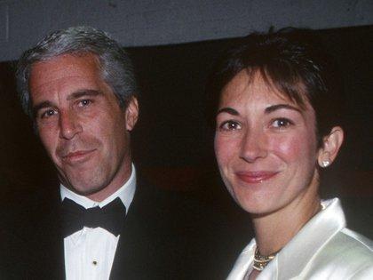 Jeffrey Epstein y Ghislaine Maxwell en un evento enNuevaYork, 16 de mayo de1995.