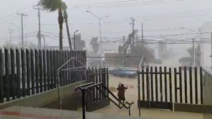 Efecto del huracán Genevieve en Los Cabos, Baja California Sur (Foto: Francisco Javier Montes/Reuters)