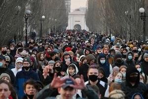 Masivas protestas en apoyo a Alexei Navalny desafían a Vladimir Putin en toda Rusia: hay centenares de detenidos