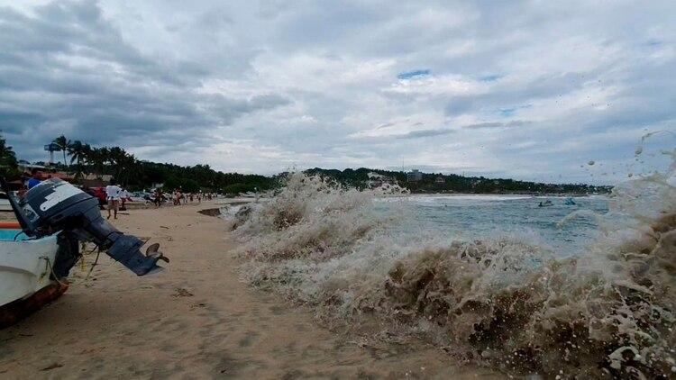 Puerto Escondido es una de las playas más visitadas de Oaxaca (Foto: Protección Civil)