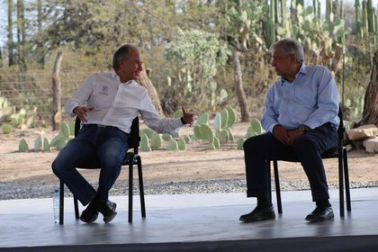 He was accompanied by the governor of the state of San Luis Potosí, Juan Manuel Carreras López (Photo: Courtesy / Presidency)